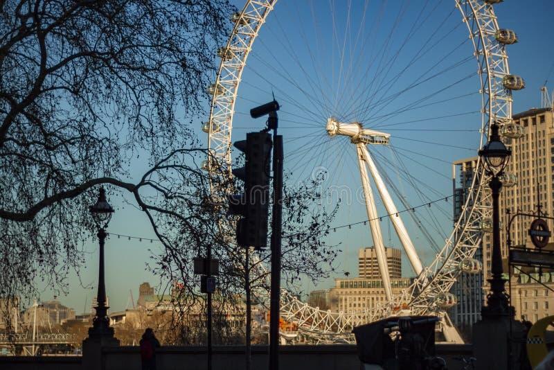 Vista del ojo de Londres imagenes de archivo