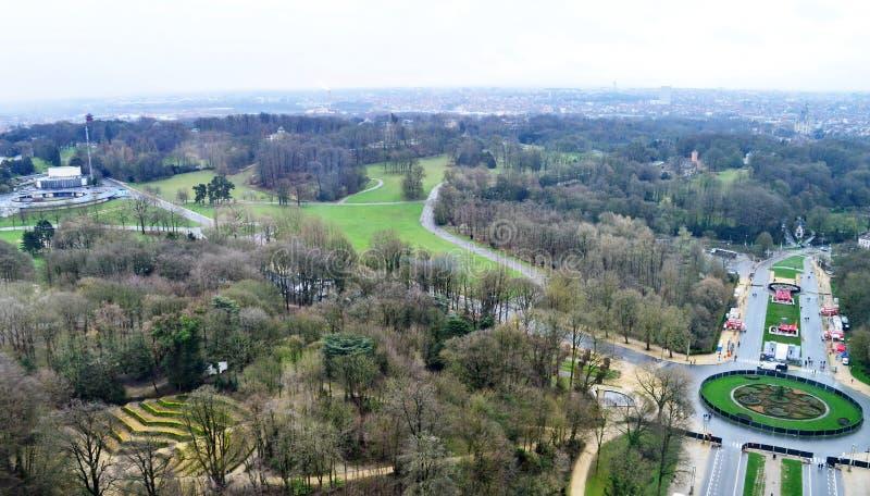 Vista del ` Osseghem Laeken del parque d en Bruselas, Bélgica foto de archivo