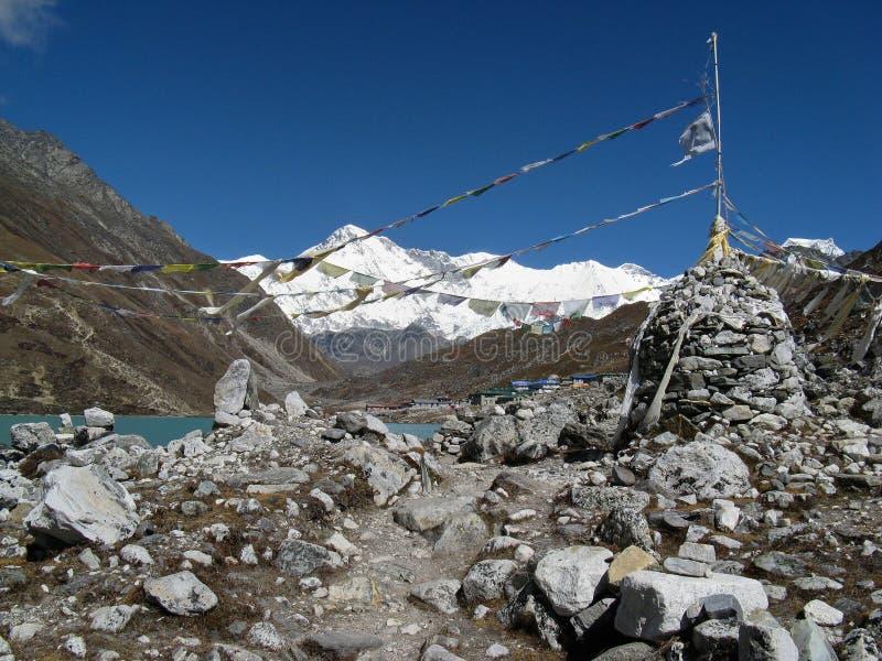 Vista del oyu di cho - Nepal fotografie stock libere da diritti