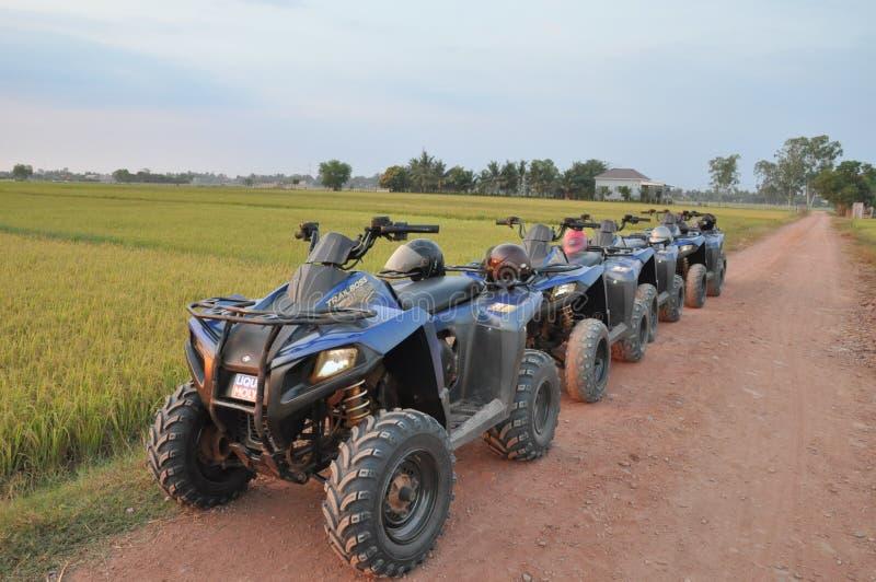 Vista del paesaggio con la motocicletta 4-Wheels immagini stock