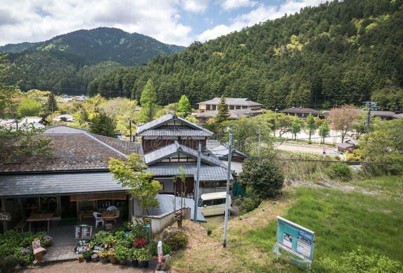Vista del paesaggio del villaggio dalle colline di Ohara immagine stock libera da diritti