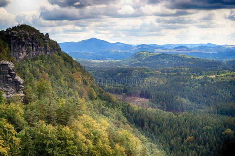 Vista del paisaje natural de Pravcicka brana fotografía de archivo libre de regalías