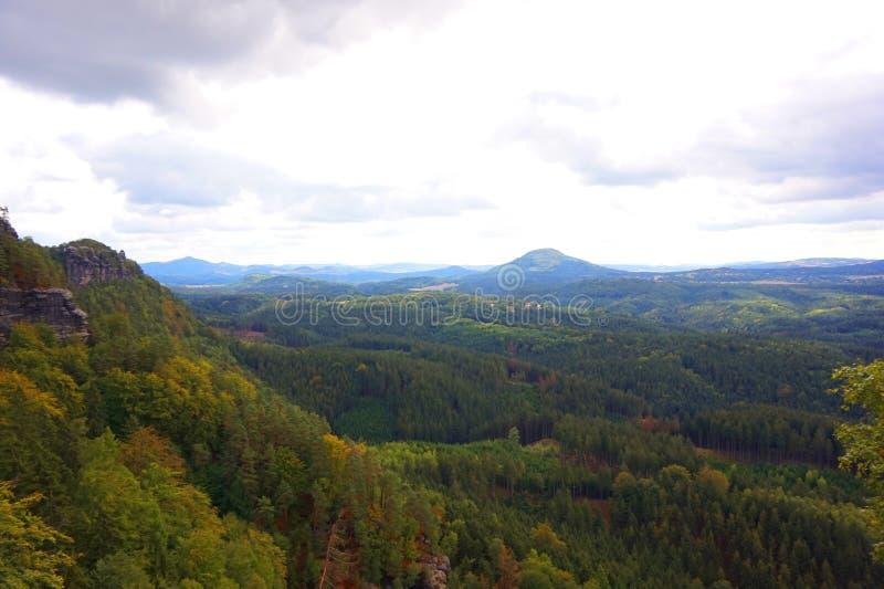Vista del paisaje natural de Pravcicka brana fotos de archivo libres de regalías