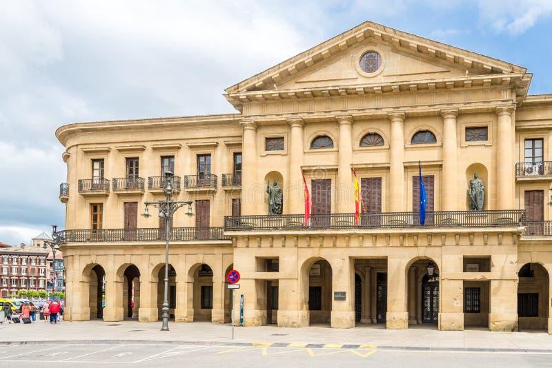 Vista del Palacio Navarra en Pamplona - España fotografía de archivo