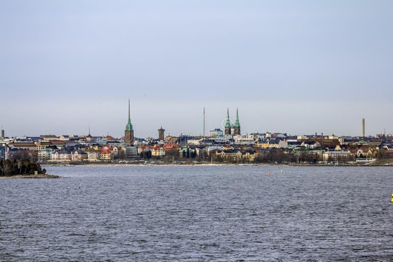 Vista del panorama de Helsinki del mar fotos de archivo