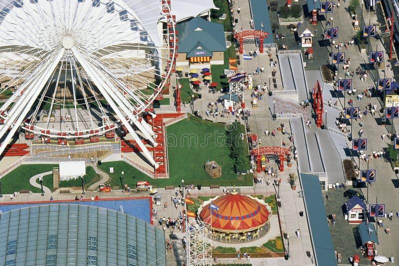 Vista del parque de atracciones imagen de archivo libre de regalías