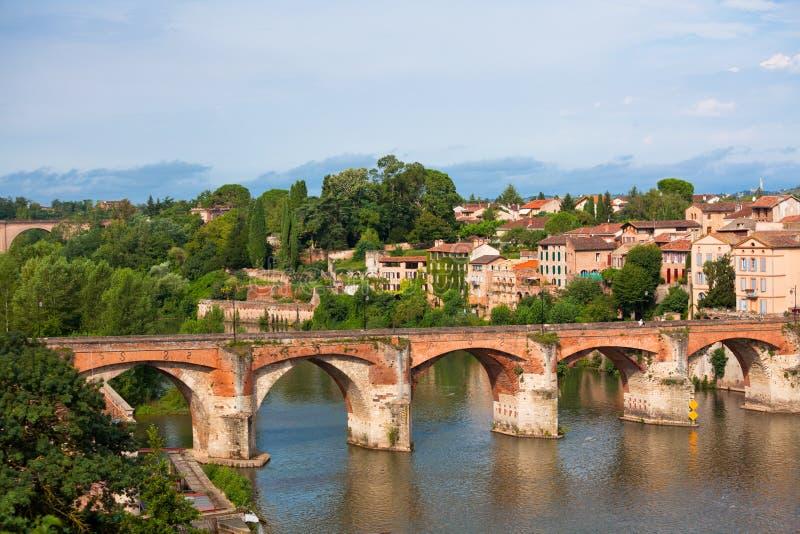 Vista del ponte augusto a Albi, Francia fotografie stock libere da diritti