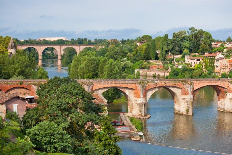 Vista del ponte augusto a Albi, Francia fotografia stock libera da diritti