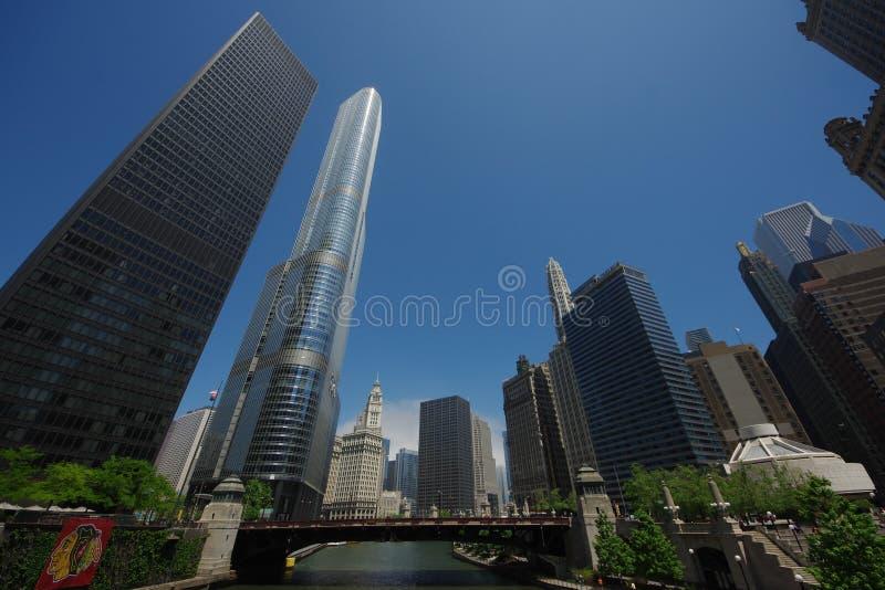 Vista del ponte della via di pozzi in Chicago, Illinois, U.S.A. fotografia stock libera da diritti