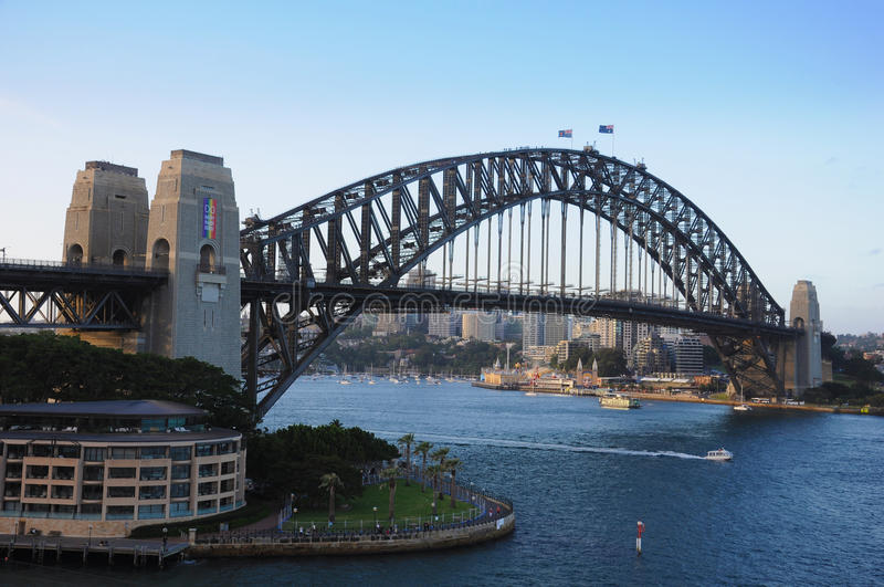 Vista del ponticello di porto di Sydney fotografia stock libera da diritti