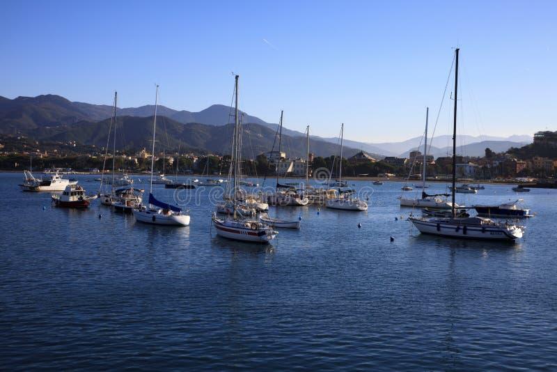 Vista del porto di Sestri Levante, Genova, Liguria, Italia fotografia stock libera da diritti