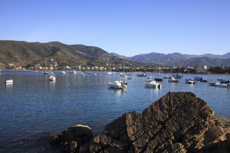 Vista del porto di Sestri Levante, Genova, Liguria, Italia immagini stock libere da diritti