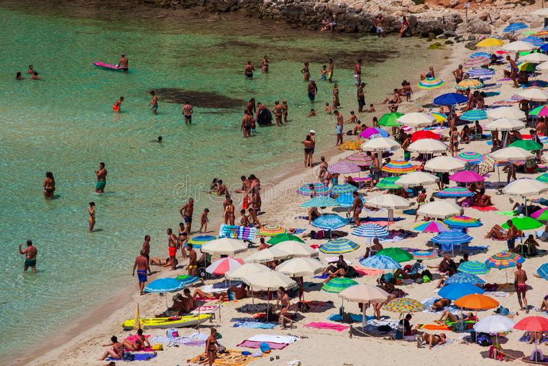 Vista del posto del mare più famoso di Lampedusa, conigli di dei di Spiaggia fotografie stock libere da diritti