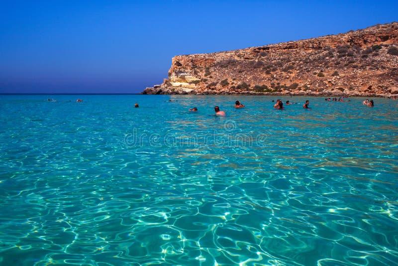 Vista del posto del mare più famoso di Lampedusa, conigli di dei di Spiaggia fotografie stock