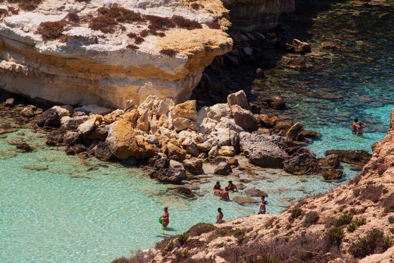 Vista del posto del mare più famoso di Lampedusa, conigli di dei di Spiaggia immagine stock libera da diritti