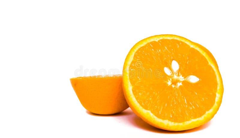 Vista del primo piano di carne arancio con i semi bianchi immagini stock libere da diritti