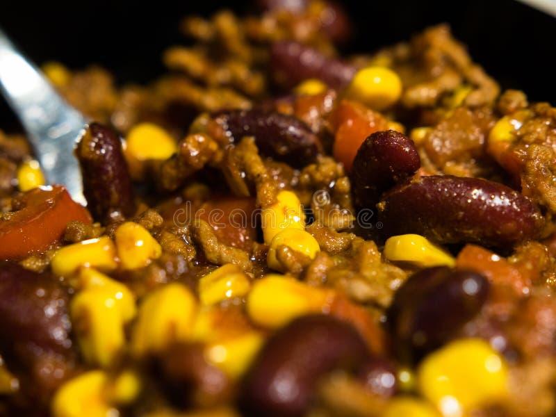 Vista del primo piano di chili con carne casalingo immagini stock libere da diritti