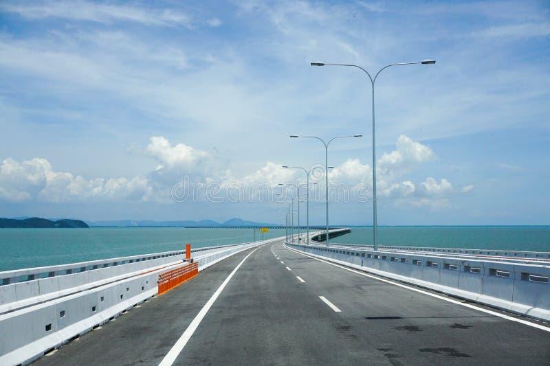 Vista del puente de Penang, Malasia fotografía de archivo