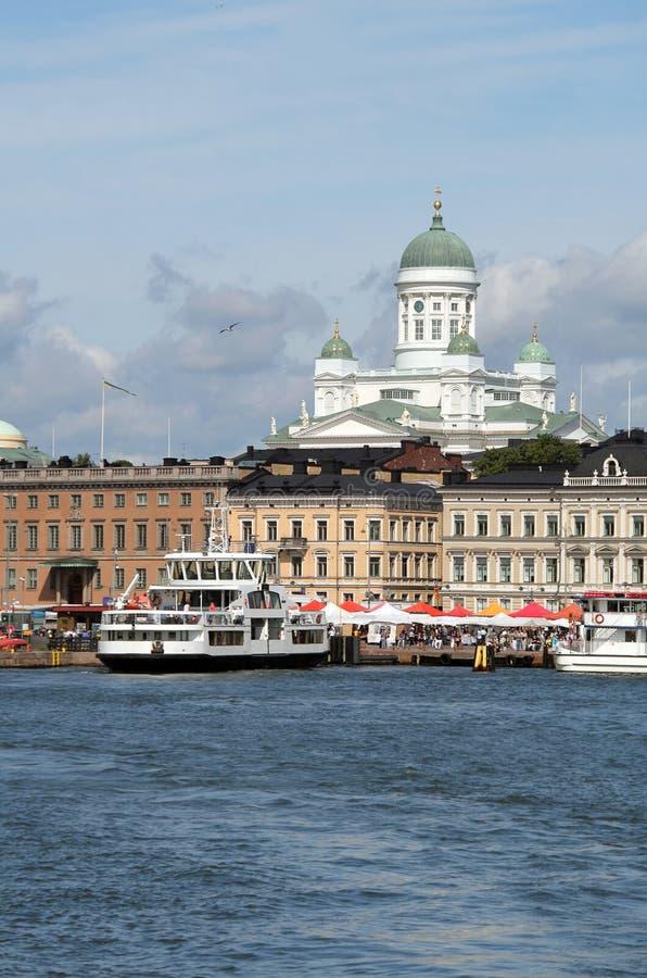 Vista del puerto de Helsinki imagen de archivo libre de regalías