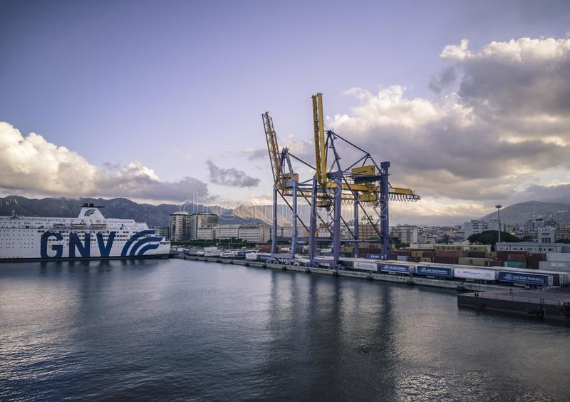 Vista del puerto de Palermo #4 imágenes de archivo libres de regalías