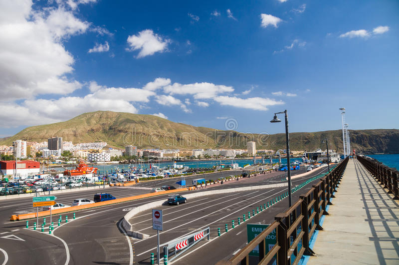 Vista del puerto del Los Cristianos, Tenerife foto de archivo libre de regalías