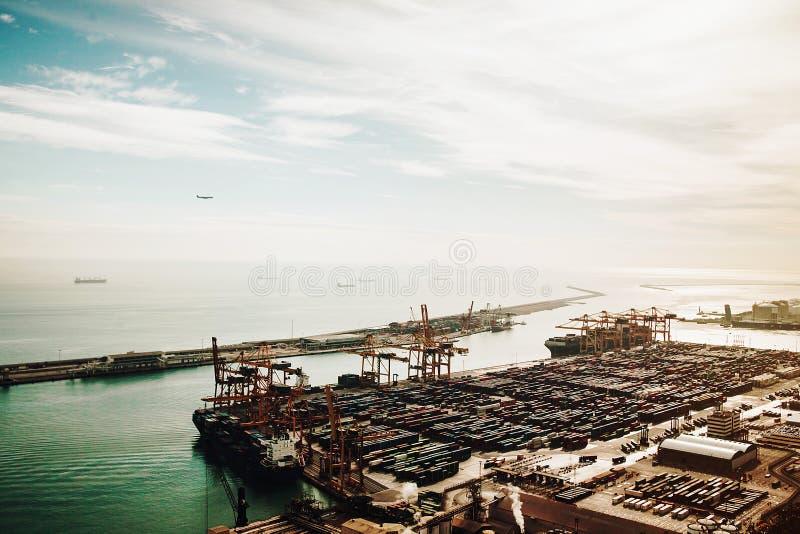 Vista del puerto en Barcelona fotos de archivo libres de regalías