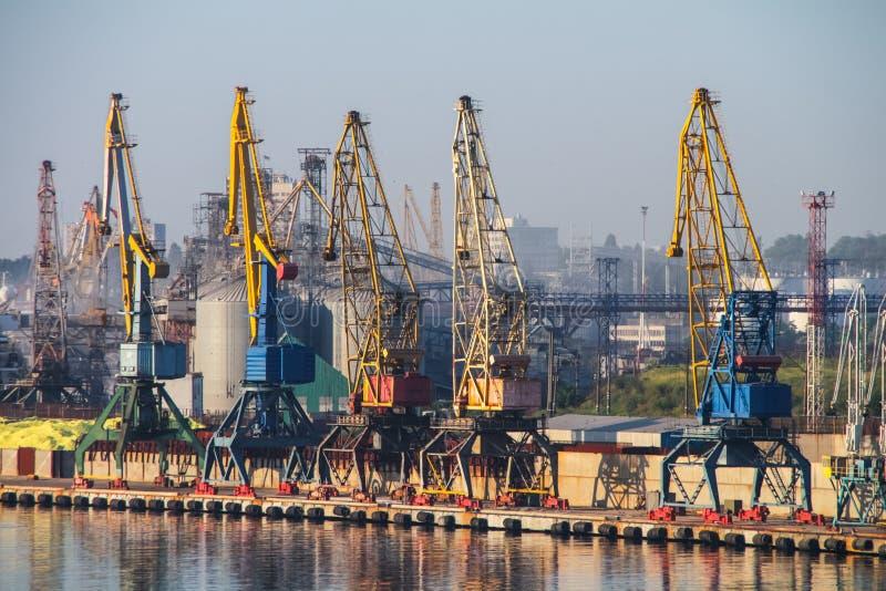 Vista del puerto marítimo fotografía de archivo