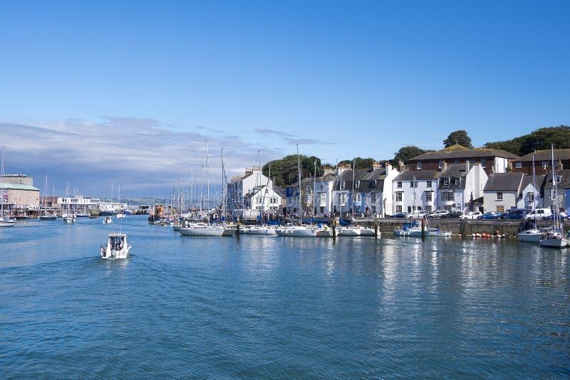 Vista del puerto País de Gales del norte imagenes de archivo