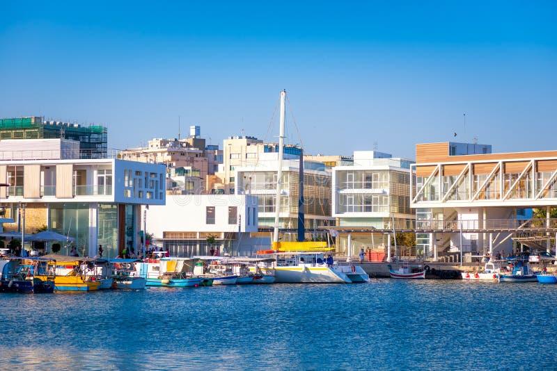 Vista del puerto viejo de Limassol chipre foto de archivo