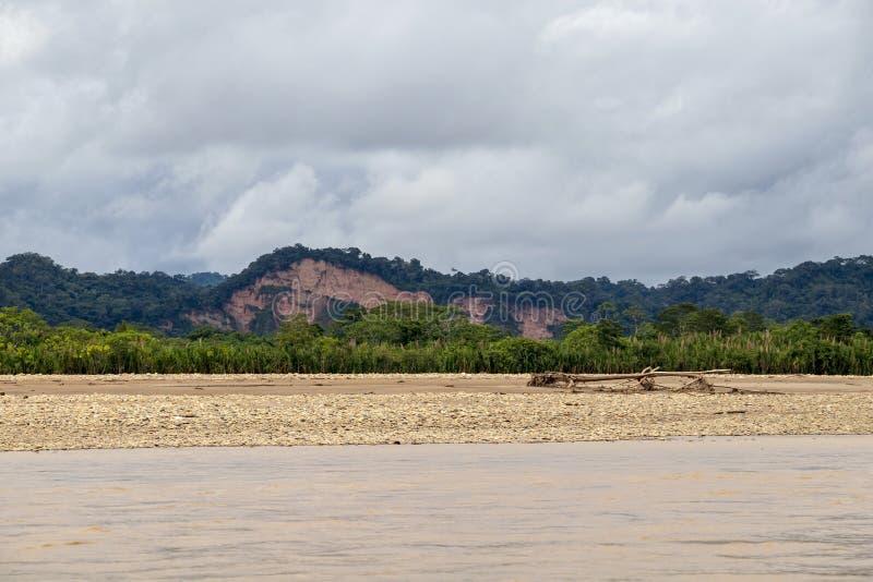 Vista del río de Beni y de la selva tropical del parque nacional de Madidi en el lavabo superior del río Amazonas en Bolivia, Sur imagenes de archivo