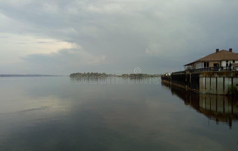 Vista del río de Kama imagen de archivo libre de regalías