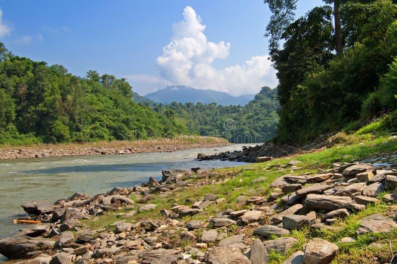 Vista del río en Nepal fotografía de archivo libre de regalías
