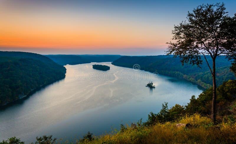 Vista del río Susquehanna en la puesta del sol, del pináculo adentro tan fotos de archivo libres de regalías