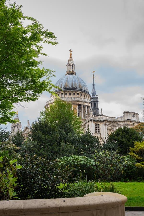 Vista del ritratto della cattedrale Londra di St Paul fotografia stock