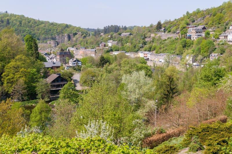 Vista del Roche-en-Ardenne del La de la ciudad en Bélgica imagen de archivo libre de regalías