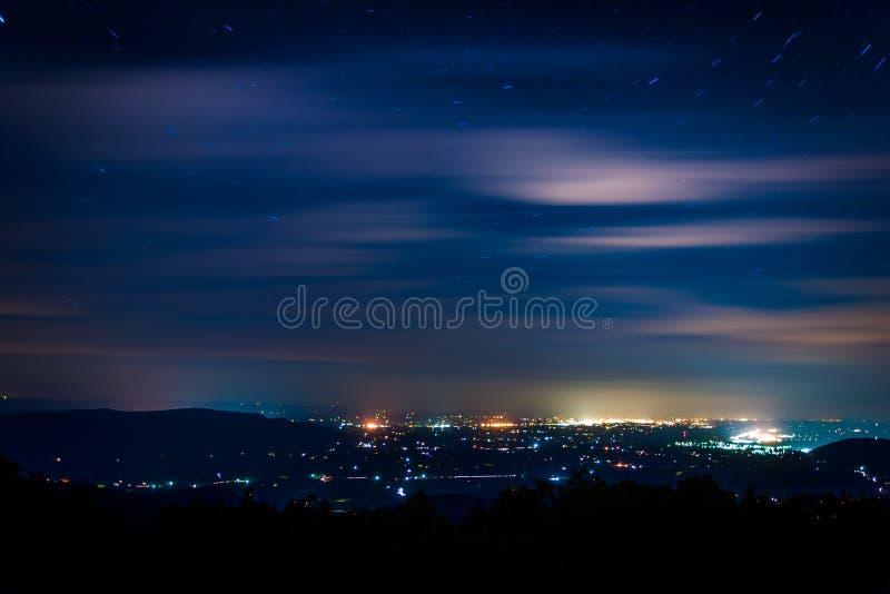Vista del Shenandoah Valley en la noche, vista de la impulsión del horizonte fotografía de archivo libre de regalías
