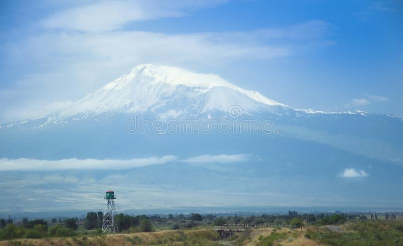 Vista del soporte Artarat, valle de Ararat Frontera con Turquía, atalaya armenia fotografía de archivo libre de regalías