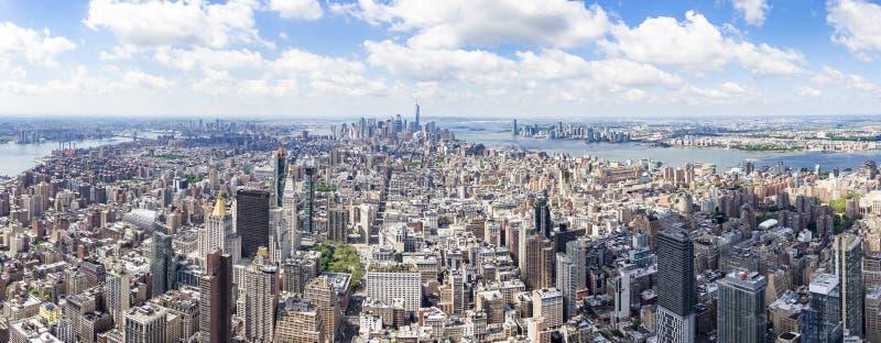Vista del sud di panorama dall'Empire State Building con il Lower Manhattan e One World Trade Center, New York, Stati Uniti fotografia stock