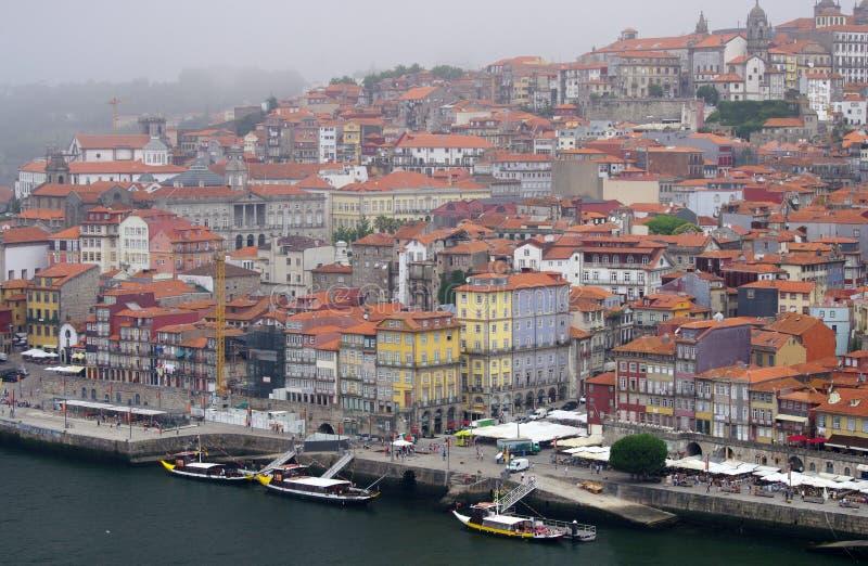 Vista del terraplén del río del Duero en Oporto fotos de archivo libres de regalías