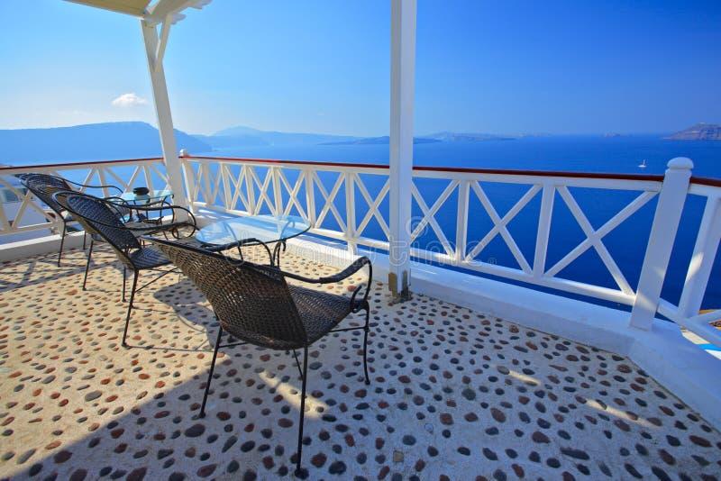 Vista del terrazzo all'isola di Santorini fotografia stock libera da diritti