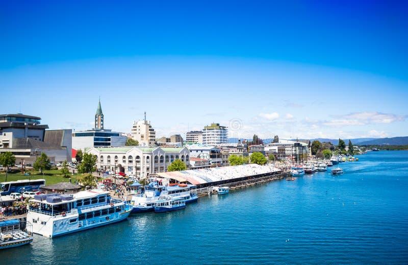 Vista del Valdivia dal fiume fotografie stock libere da diritti