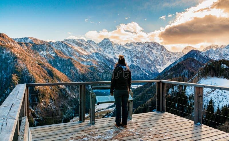 Vista del valle de Logar foto de archivo
