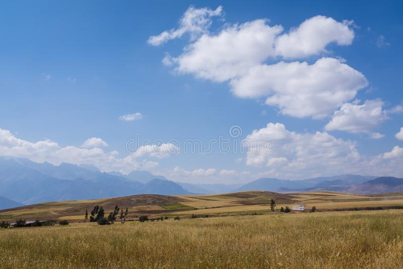 Vista del valle sagrado cerca de Cusco fotografía de archivo