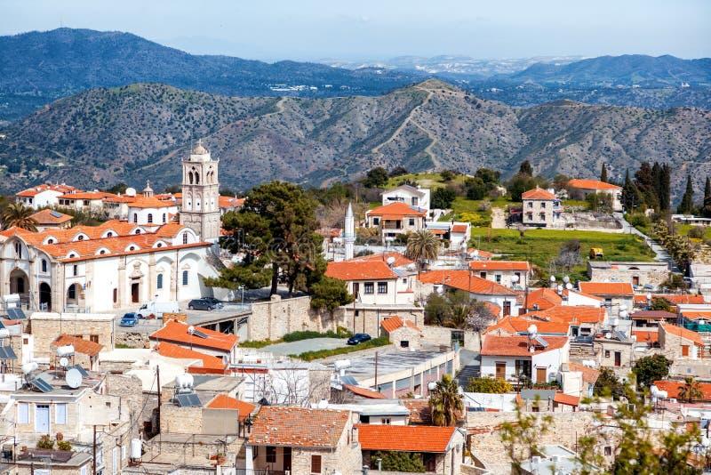Vista del valle turístico Pano Lefkara del destino de la señal famosa foto de archivo libre de regalías