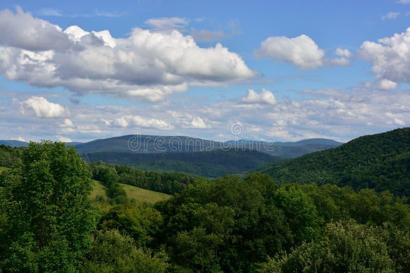 Vista del verano de la montaña de Catskill fotografía de archivo libre de regalías