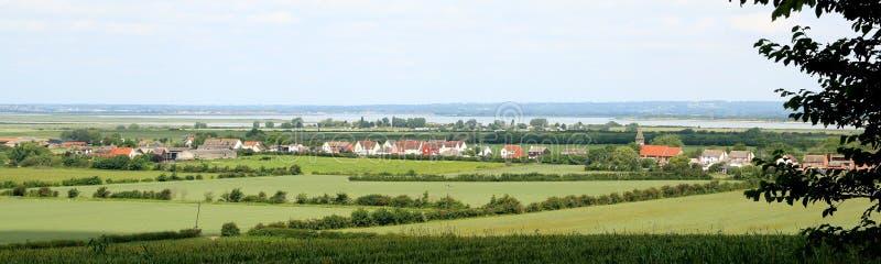 Vista del villaggio inglese Steeple Essex fotografie stock libere da diritti