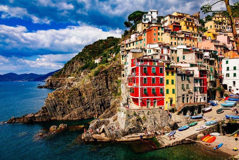 Vista del villaggio Riomaggiore Cinque Terre National Park, Liguria Italia immagini stock libere da diritti