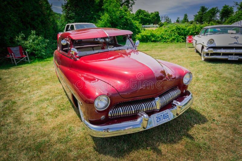 vista delantera asombrosa del primer del coche retro del vintage clásico fotos de archivo libres de regalías