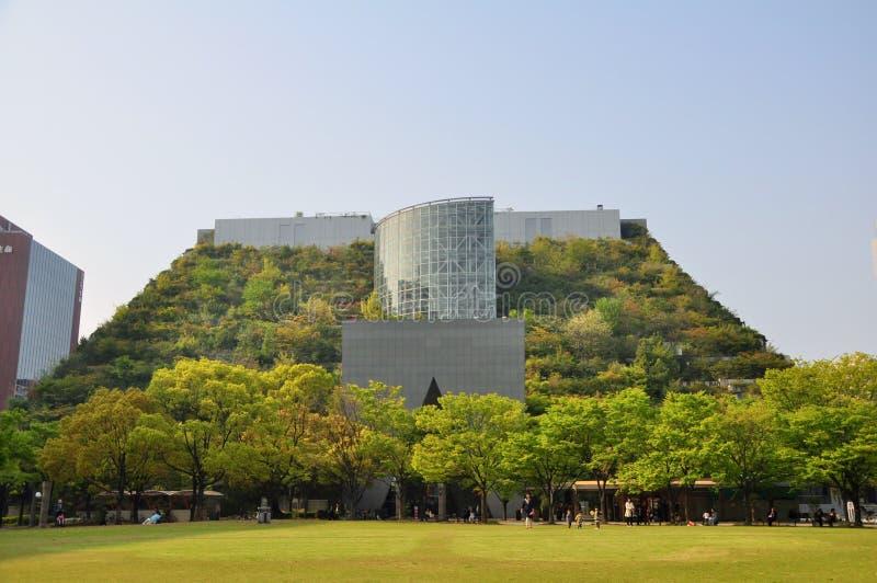 Vista delantera de ACROS Fukuoka Pasillo internacional de la prefectura foto de archivo libre de regalías