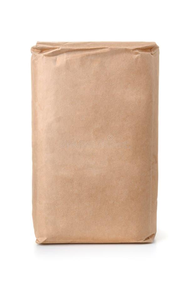 Vista delantera de la bolsa de papel marrón en blanco fotos de archivo libres de regalías